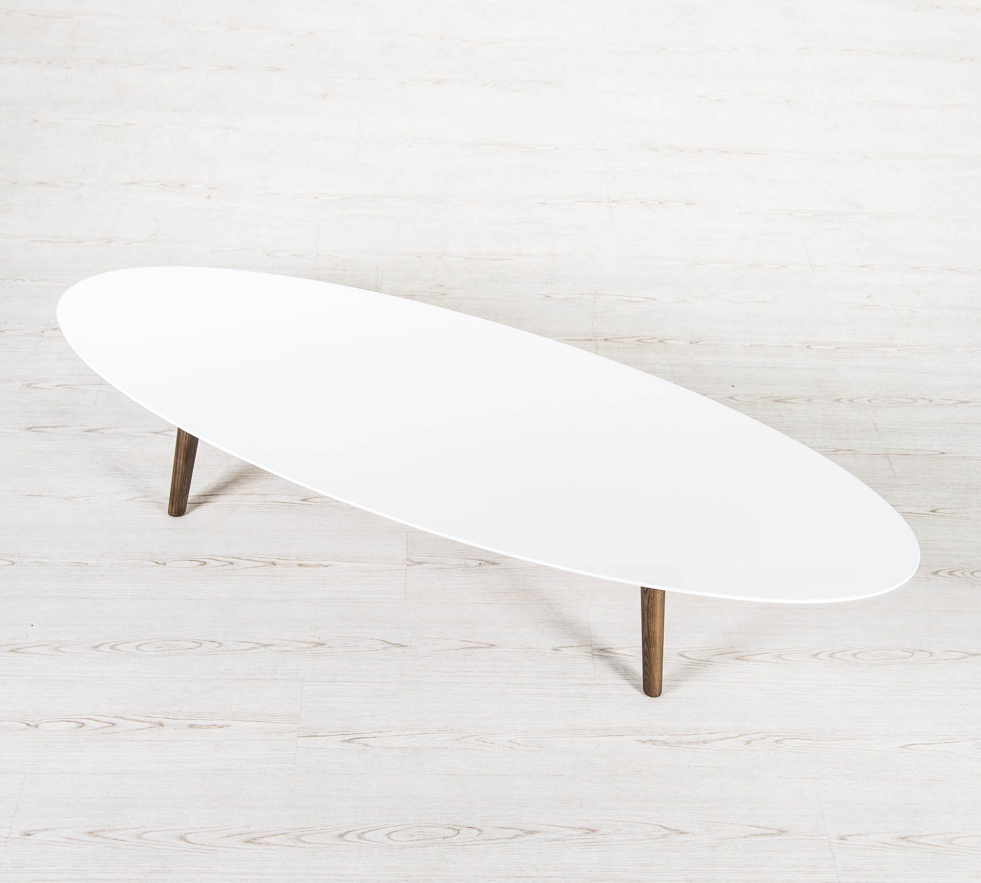 Tavolinetto ovale bianco e nero | Duzzle