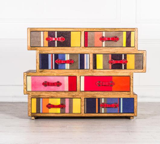 Duzzle comò asimmetrico legno massello colorato design twist