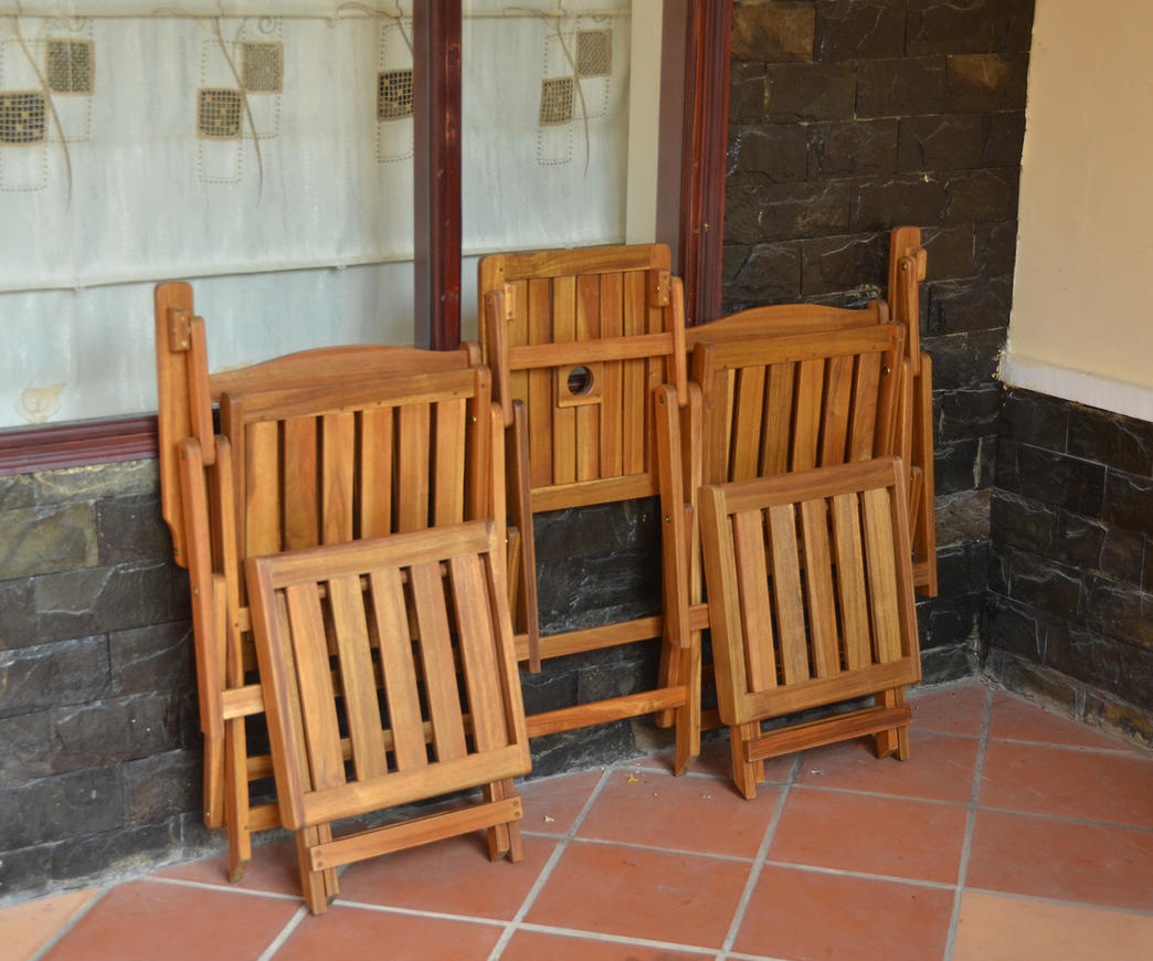 Set da giardino con divanetto e poggiapiedi duzzle - Divanetto in legno per esterno ...