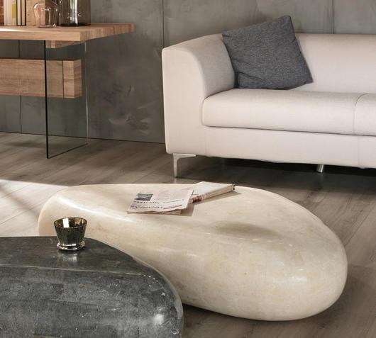 Duzzle tavolinetto white stones triangolare in pietra bianca