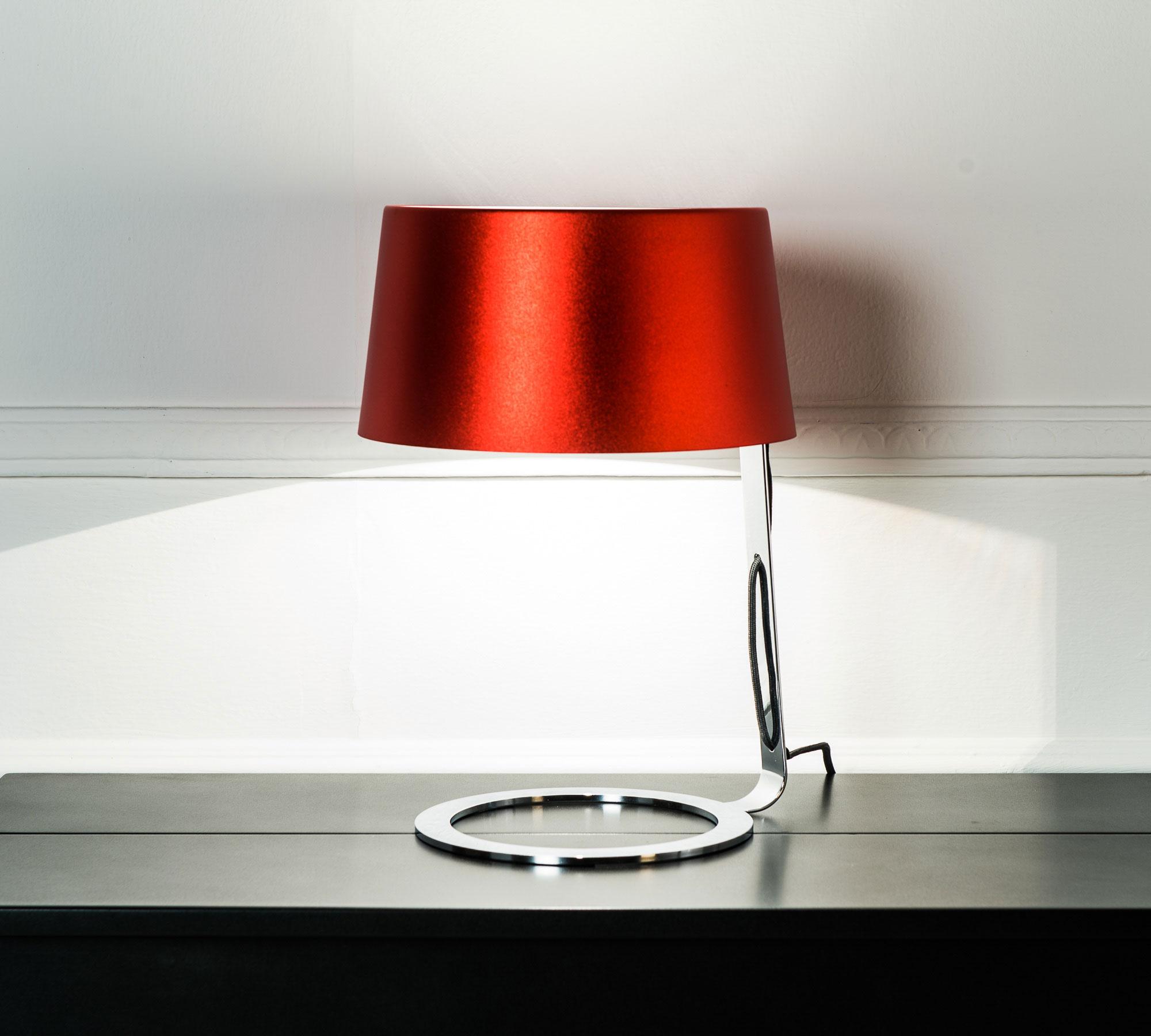 Lampada da tavolo rossa media la 033 br duzzle for Ikea lampade da tavolo