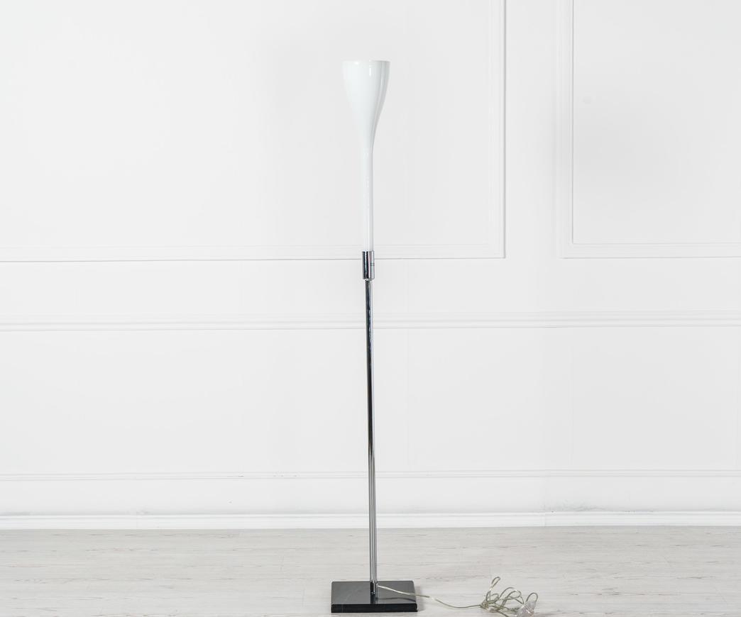 Lampada da pavimento in vetro bianco la b duzzle