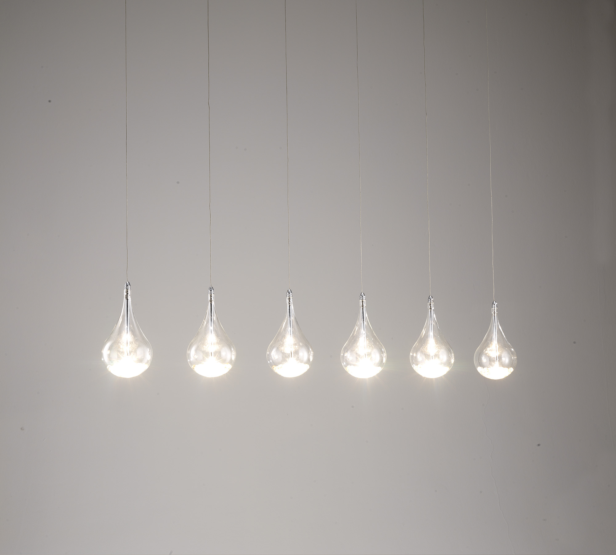 Lampada a goccia con cristalli la 041 duzzle for Lampade da bagno a soffitto