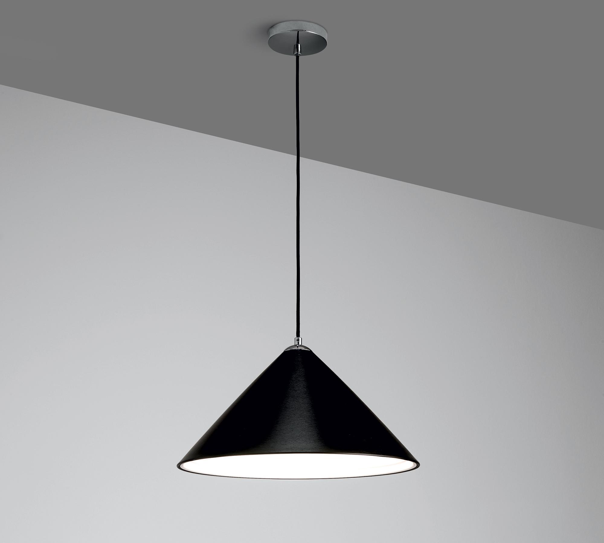Lampada da sospensione nera la 042 n duzzle for Costo lampada