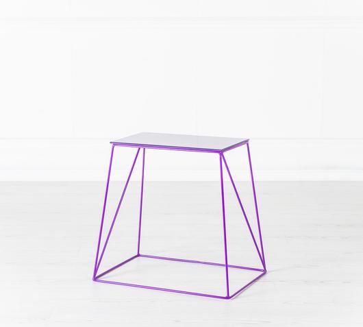 Duzzle tavolinetto viola design twist laterale
