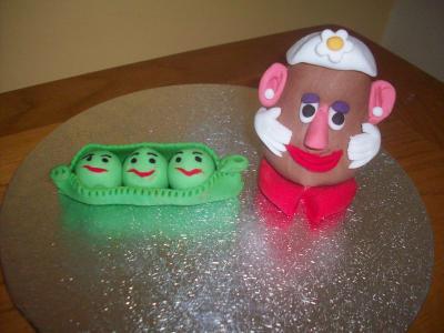 Mrs Potatoe Head and Peas Cake Topper