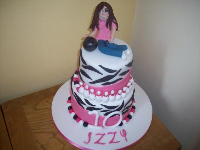 Fashion stripe cake