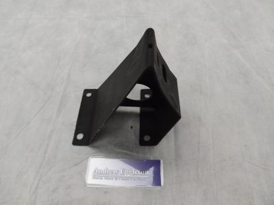 L/H ENGINE MOUNT