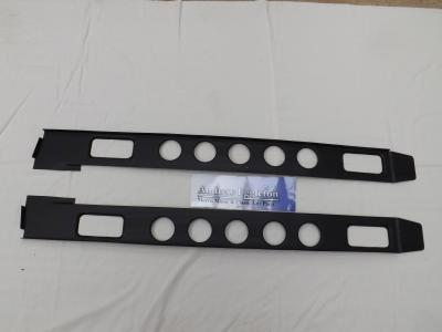 PAIR 2DR BOXING PLATES