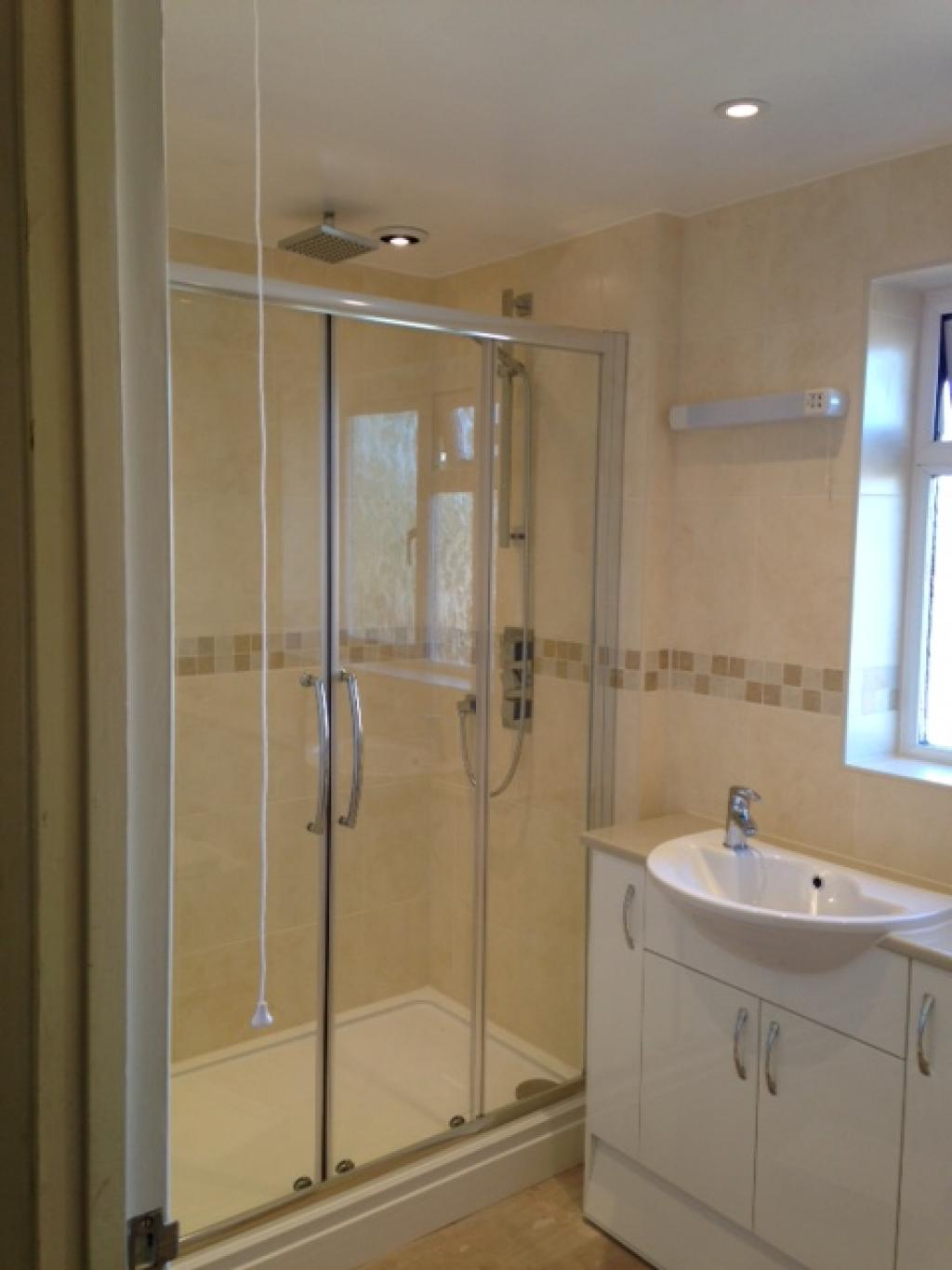 Traditional and Bespoke Bathrooms in Kent : Maple Leaf Home Improvements
