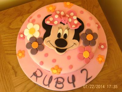 Minnie Mouse Flower Cake