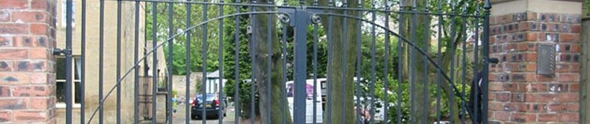 Pros and cons of wrought iron gates