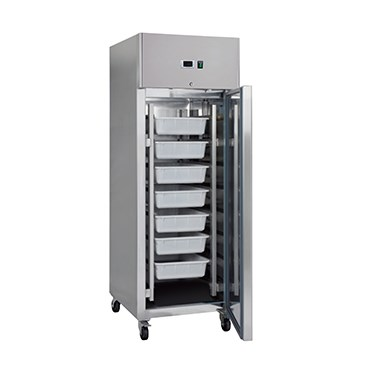 Outstanding value is offered with these great fish fridges / keepers.