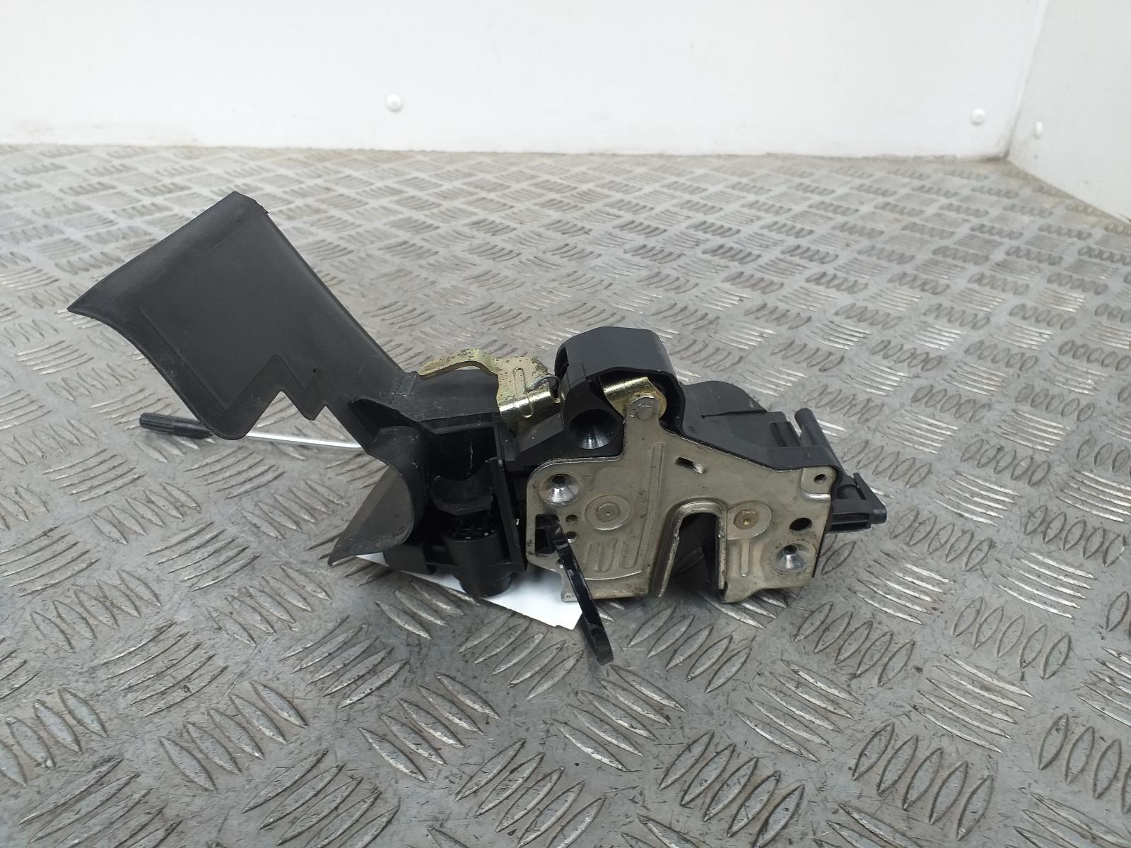 View Auto part Door Lock Assembly CHRYSLER CROSSFIRE 2004