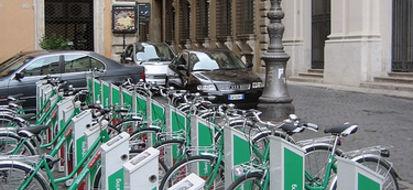 Roma città Bike Friendly dà il via libera alla bici sui bus