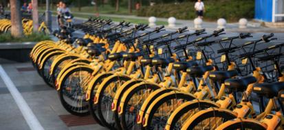 In Italia sorpasso storico della bici sull'auto