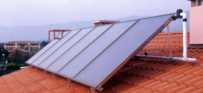 Solare termico tecnologicamente maturo ma imbrigliato dal difficile accesso agli incentivi