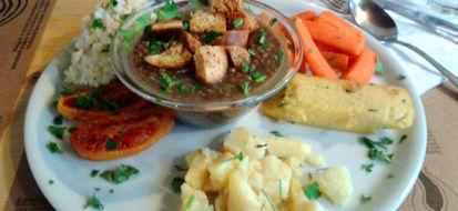 Napoli si apre al bio: le opzioni per mangiare vegetariano