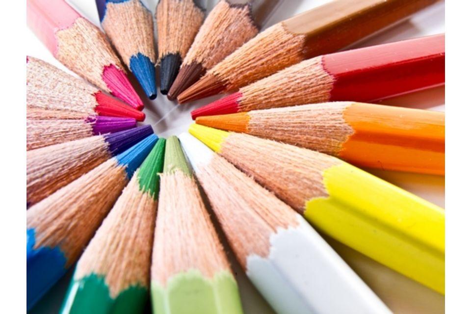 matite colorate  3 idee originali per riciclare le matite colorate | EcoSost Vivere ...