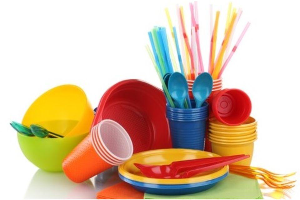 Risultati immagini per oggetti di plastica