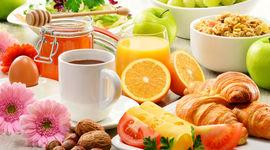 10 cibi da evitare a stomaco vuoto
