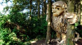 Thomas Dambo: le sculture di legno nascoste nei boschi danesi