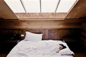 8 consigli per detossinare la camera da letto