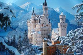 Vivere una favola? Ecco i 10 castelli più belli d'Europa
