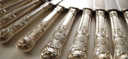 5 sorprendenti soluzioni naturali per pulire l'argento