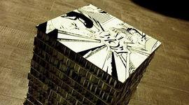 Sgabello con cartone riciclato