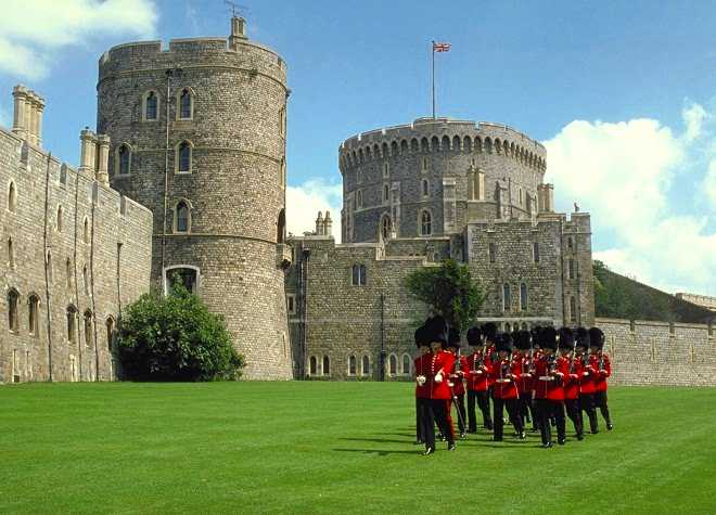 Windsor Castle Guards Marching Outside