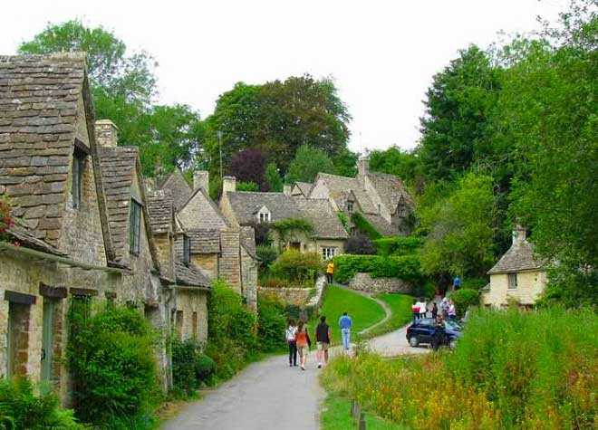 Bibury Arlington Row Town