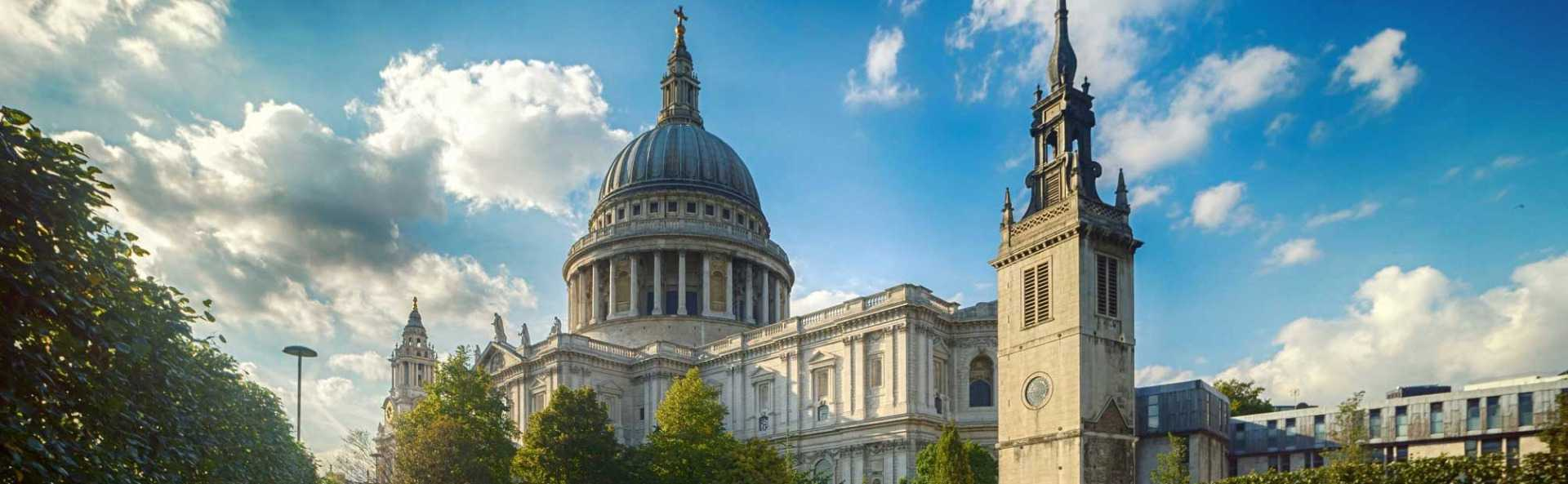 St Pauls Cathedral Outside View
