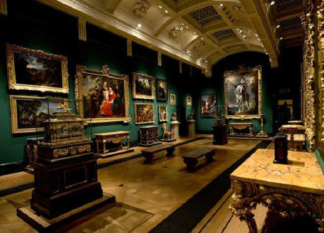 Buckingham Palace Queens Gallery