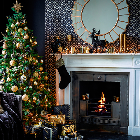 Fireplace ideas for christmas christmas decorations for Home christmas decorations uk