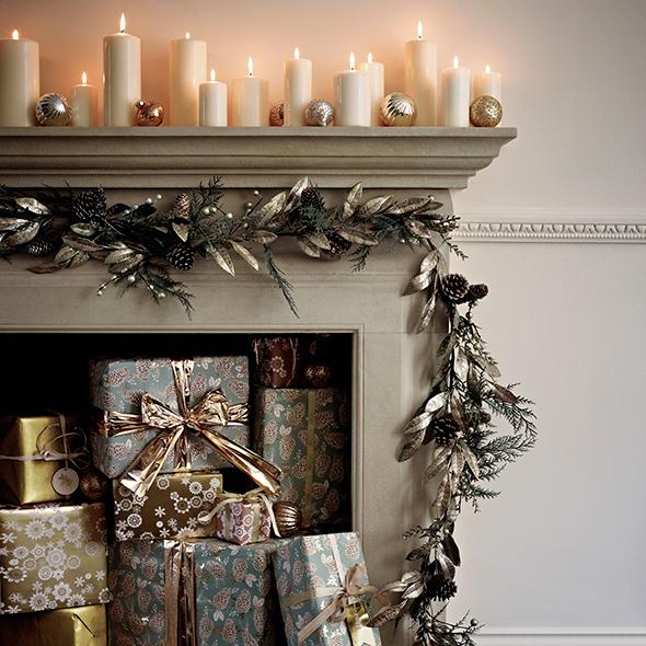 Fireplace ideas for christmas christmas decorations for Good christmas decorations