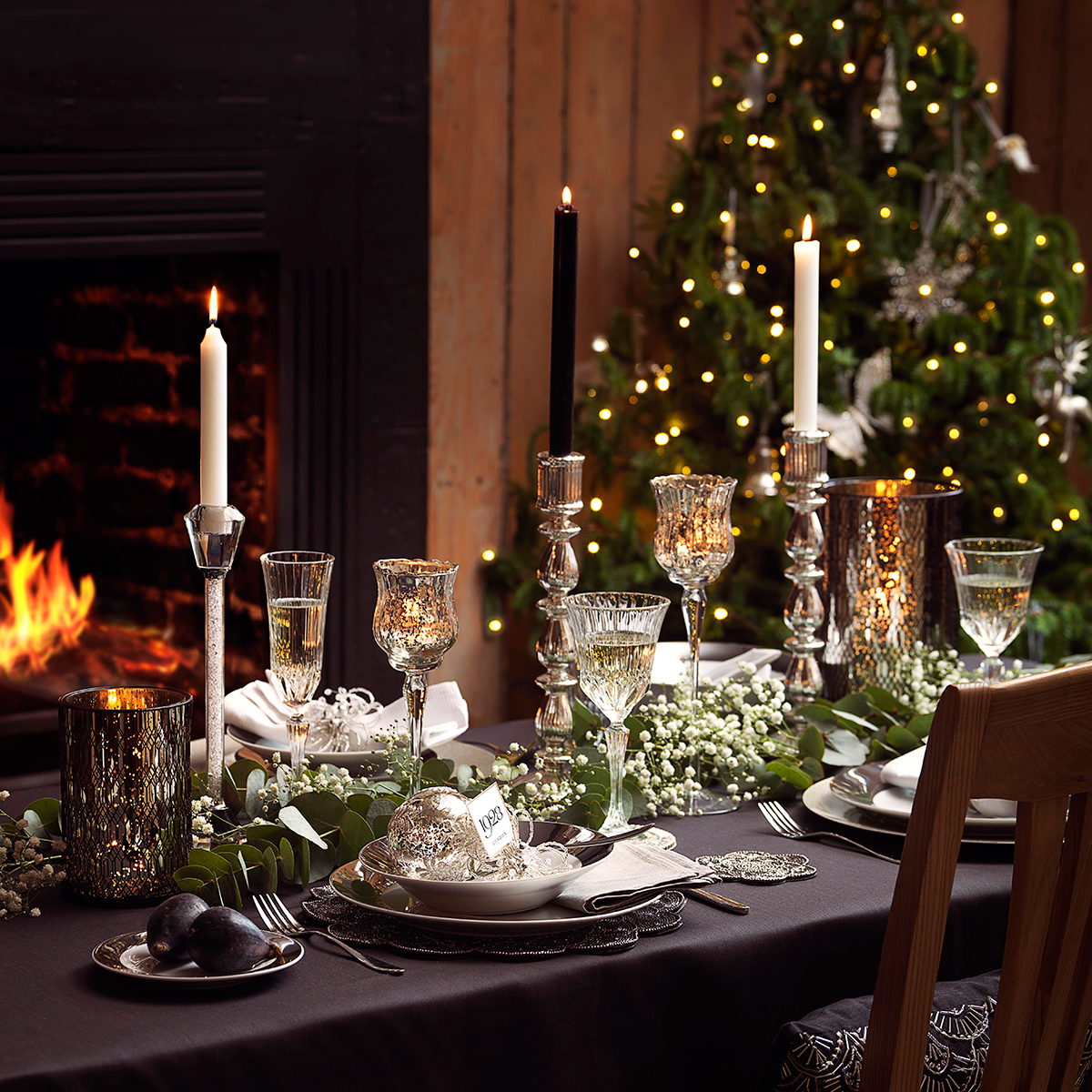 Christmas table decoration ideas for festive dining for Christmas decorations for the dinner table