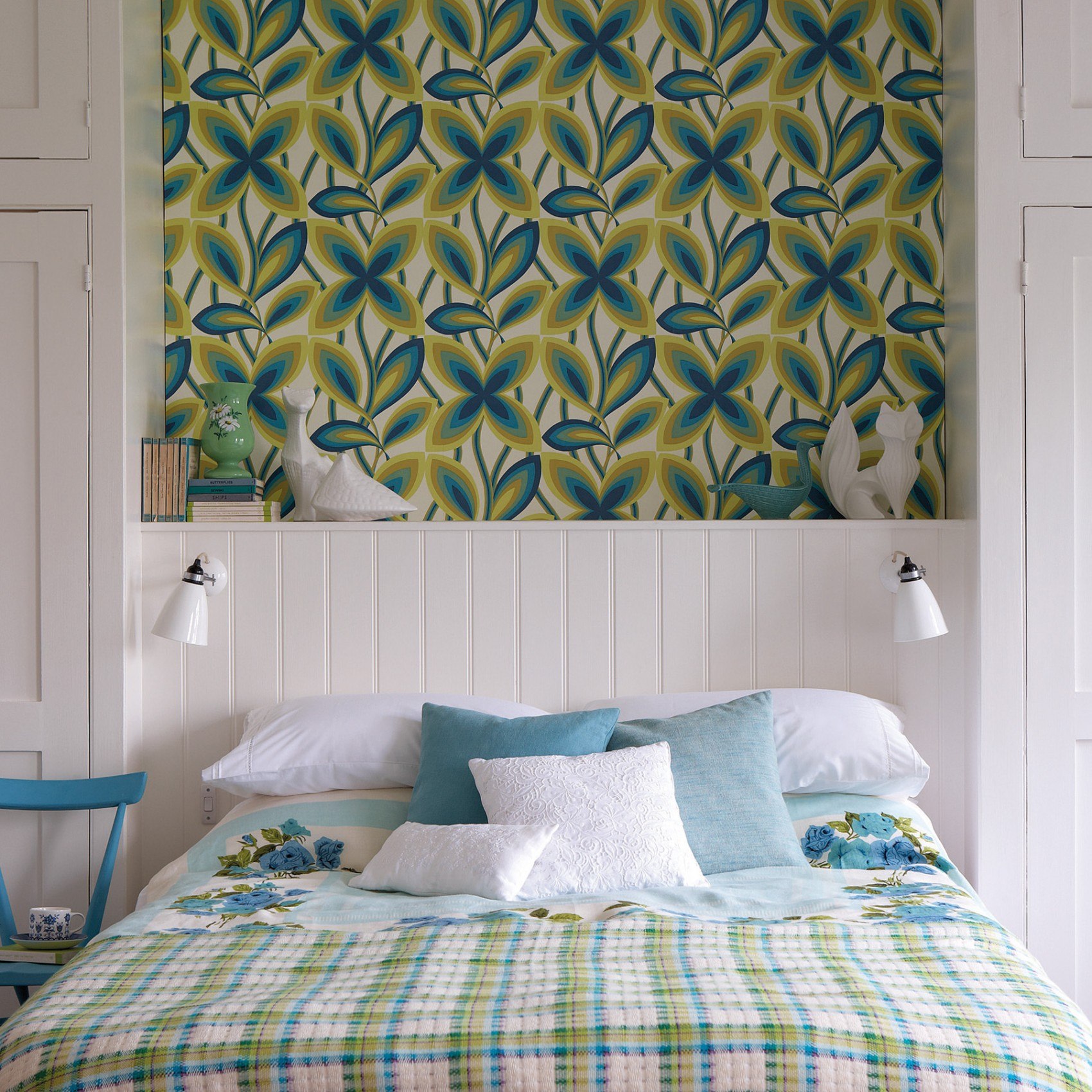 Starflower - Peacock Wallpaper