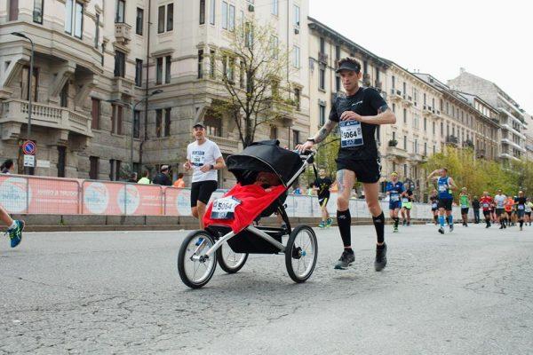 Luca Guglielmetti e la sua Milano Marathon insieme alla piccola Stella