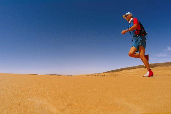 Sudore, sabbia e cuore. La corsa nel deserto raccontata da Giuliano Pugolotti