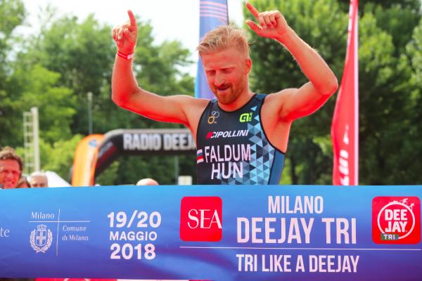 Gabor Faldum e Carlotta Bonacina conquistano lo Sprint di SEA Milano DEEJAY TRI