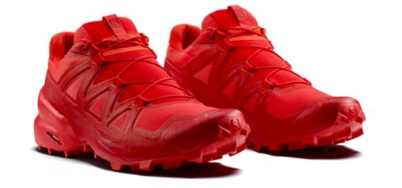Salomon aggiorna la leggendaria scarpa da trail Speedcross