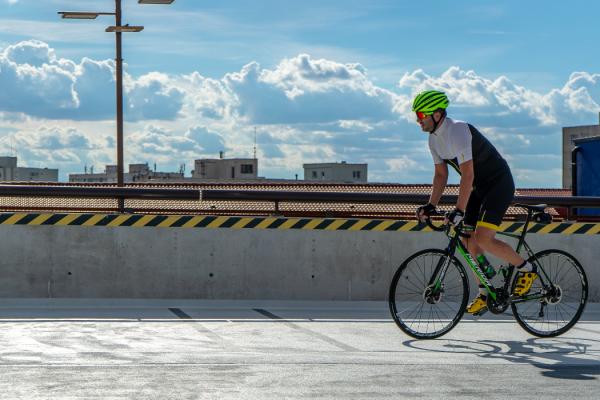 7 spunti per pedalare sotto il solleone