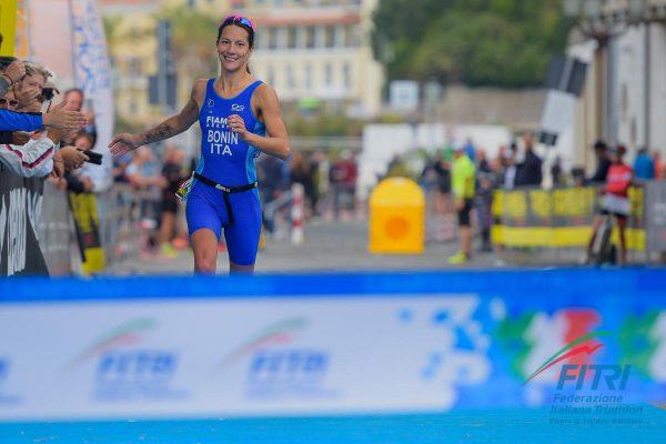 Charlotte Bonin vince il titolo italiano di Triathlon Olimpico a Lerici
