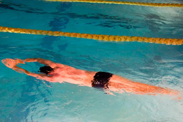 3 allenamenti di nuoto per migliorare la velocità nei 1500 metri