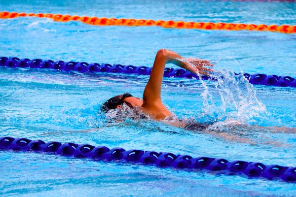 Nuotare per curare la pressione alta