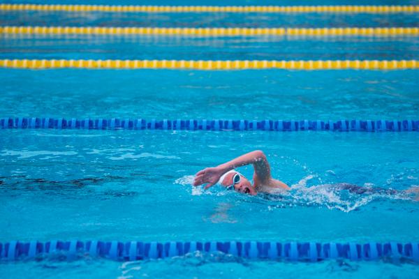 6 errori di nuoto dei principianti (e come risolverli)