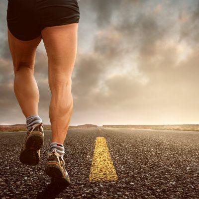 Il mondo maschile dei runner si divide in due: mutanda sì, mutanda no.