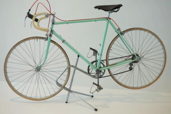 Le bici da corsa del Museo Nicolis e la storia del Giro: una passione tutta italiana.