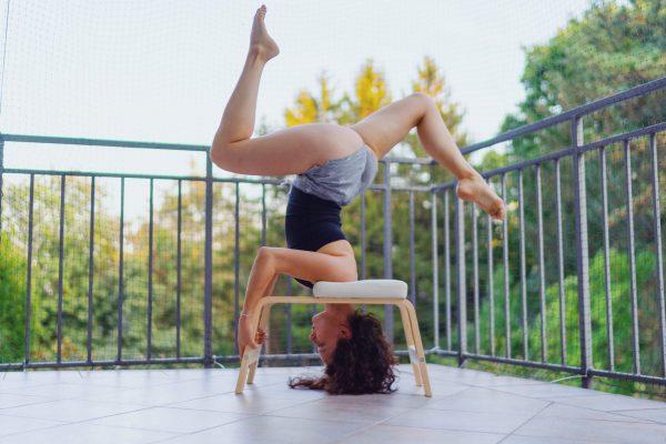 FeetUp Trainer un valido aiuto per perfezionare la tecnica di yoga